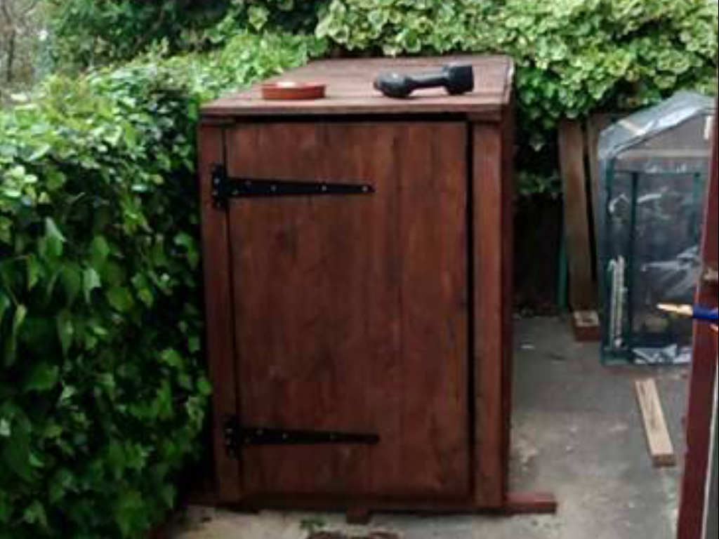 bike shed built with reclaimed timber from Green Estate timber recycling depot